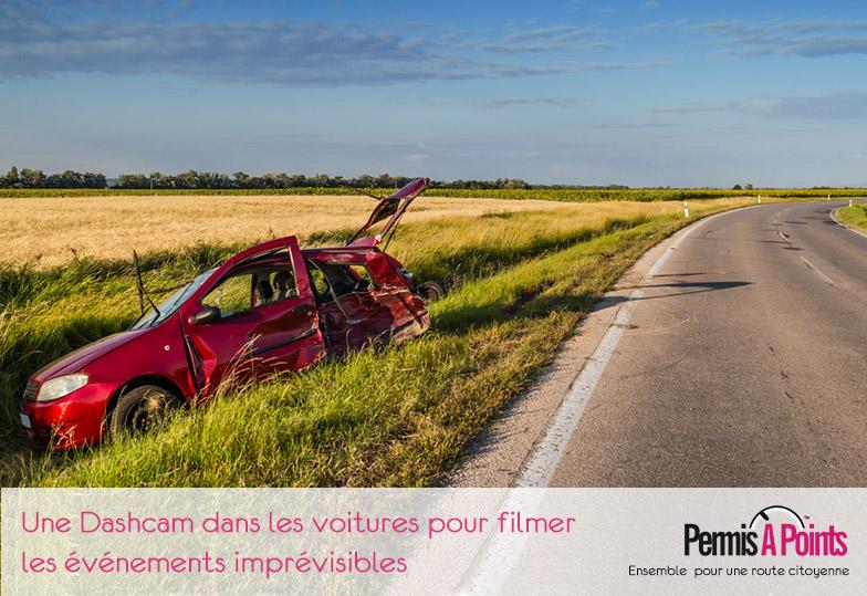 accident de voiture sur route de campagne